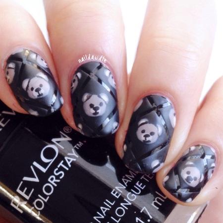 moschino inspired nail art fashion week